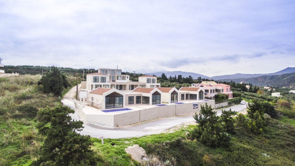 Ef Zin Complex in Kalyves