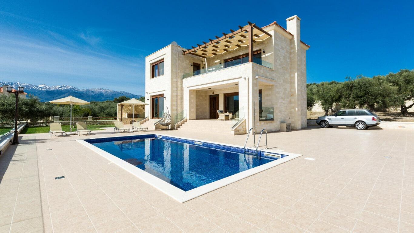 Pool villa in Chania Crete