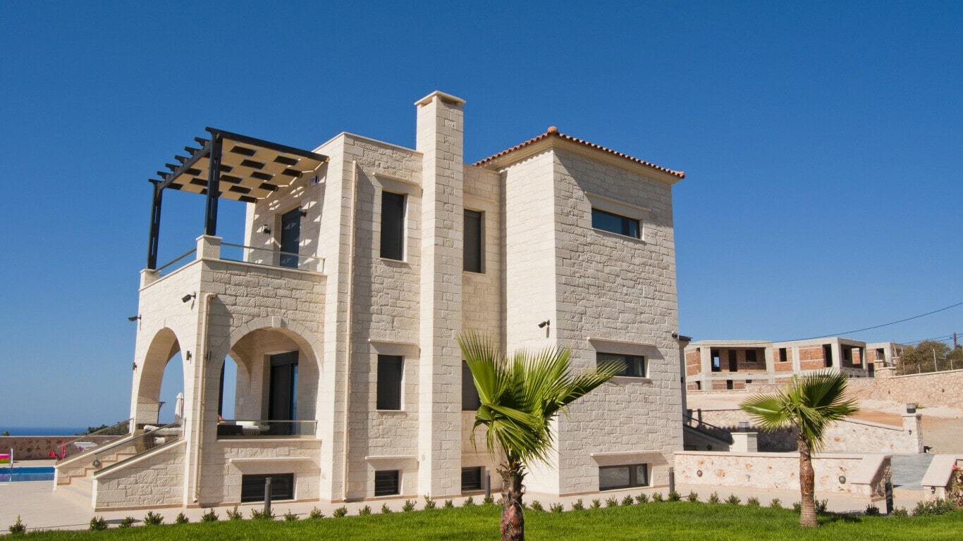 house for sale in Crete- stone traditional house