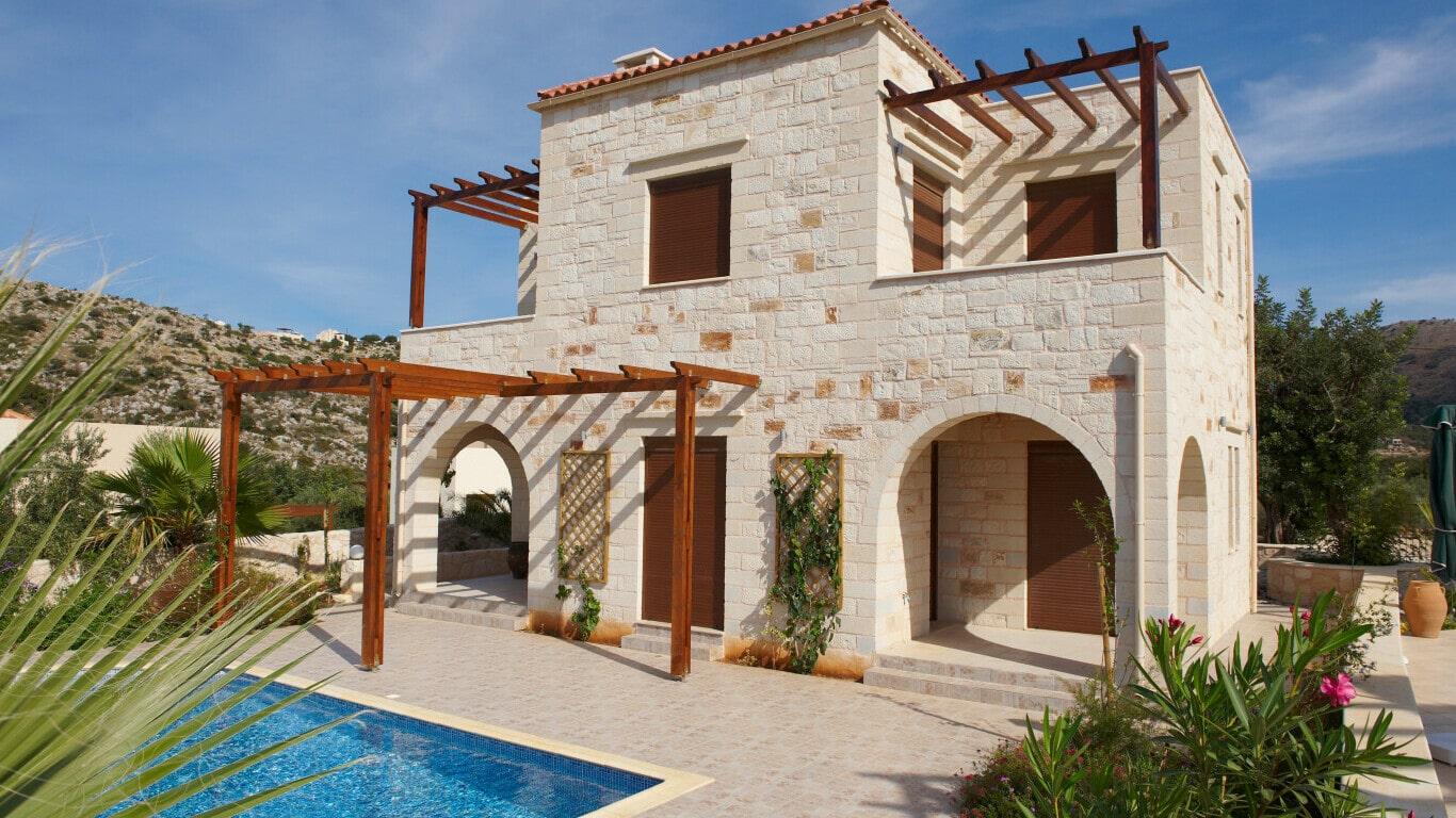 traditional homes for sale with swimming pool