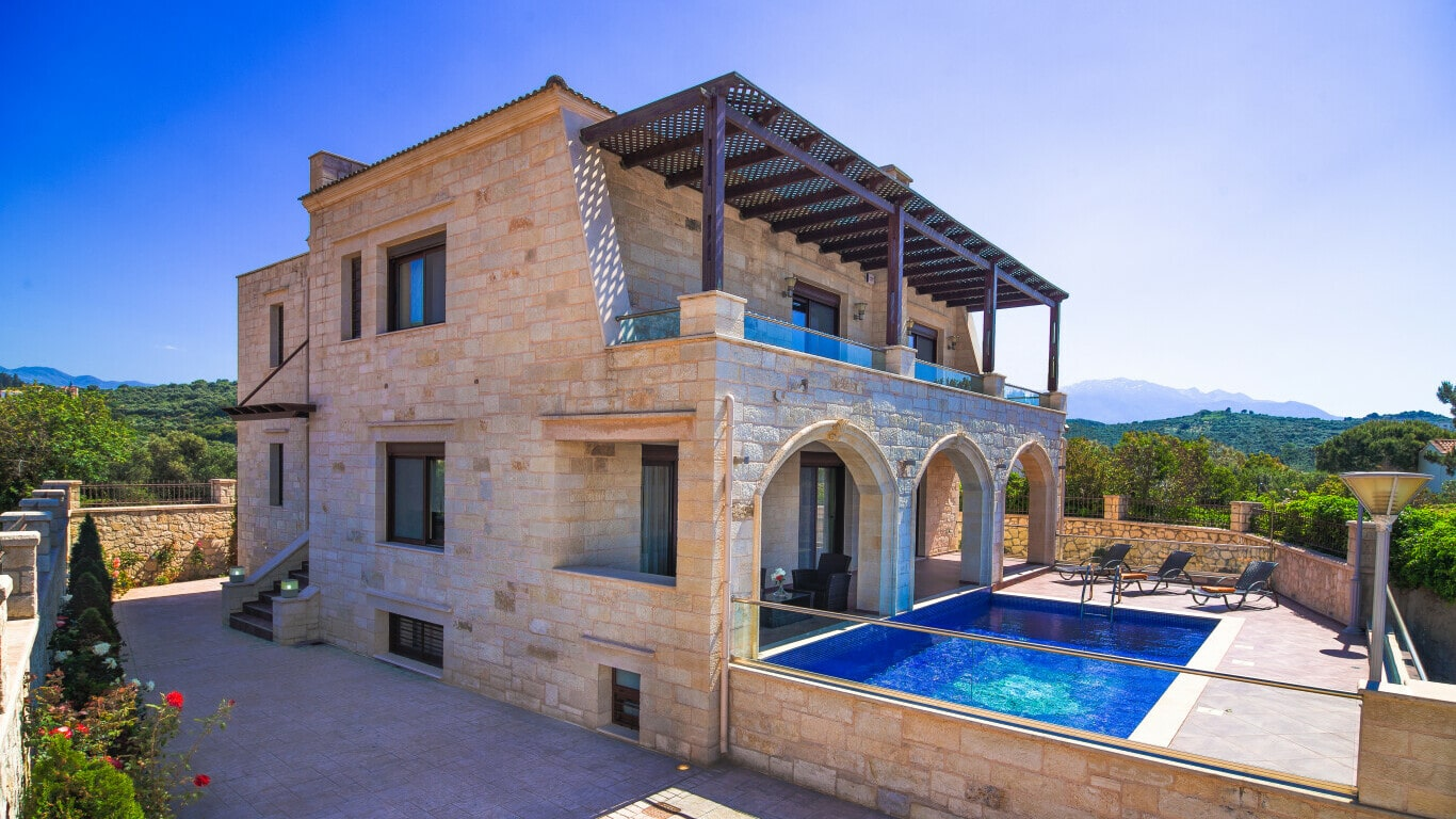 villa with swimming pool -rent or buy