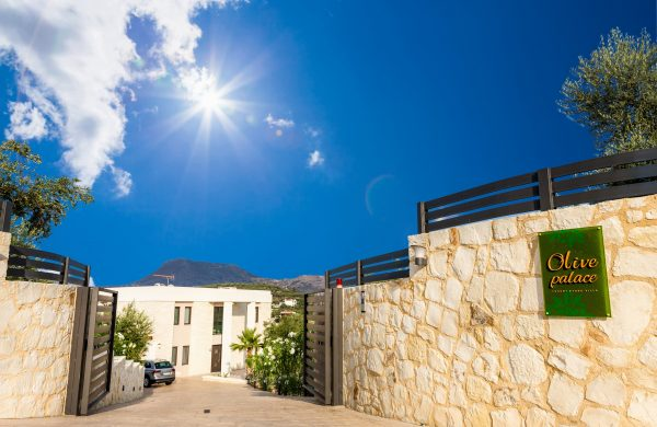 stone house in Crete- Main entrance View- Construction and Real Estate Kyriakidis