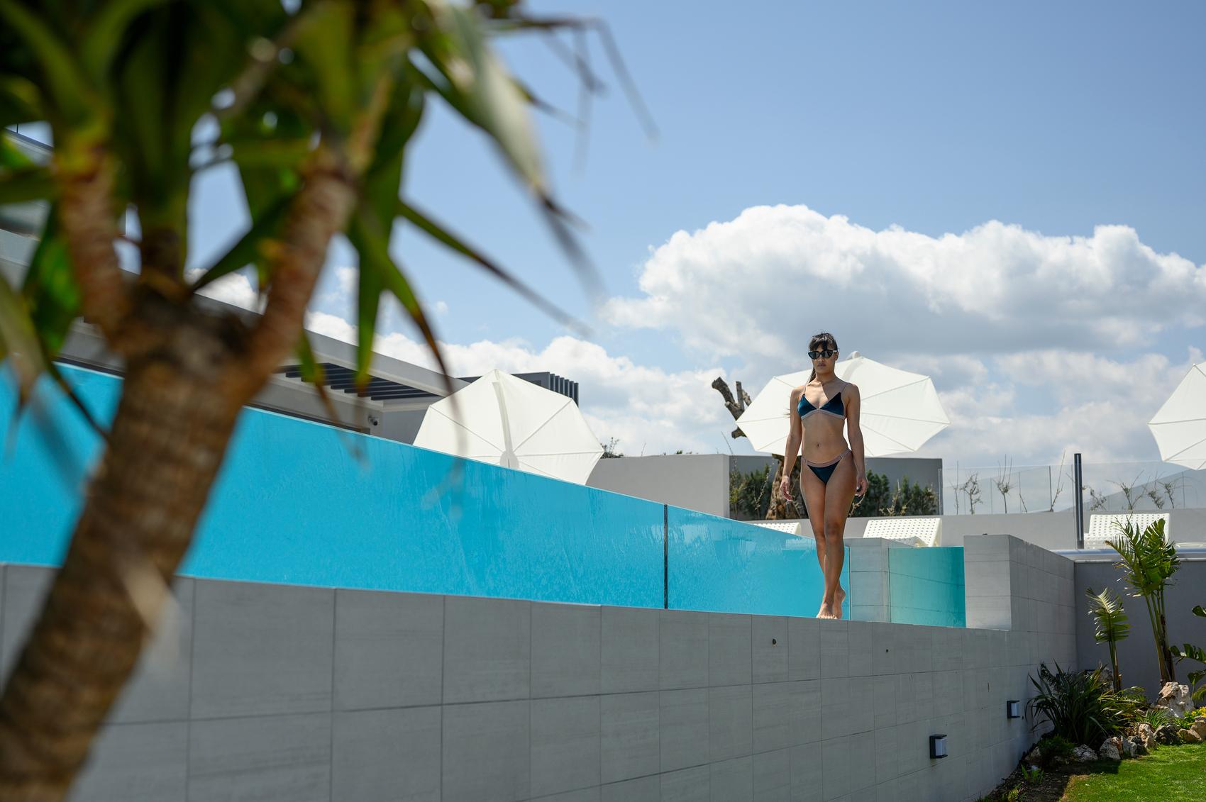 swimming pool of villa for sale in Crete